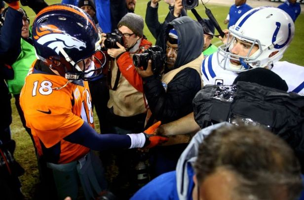 andrew-luck-peyton-manning-nfl-divisional-round-indianapolis-colts-denver-broncos-850x560